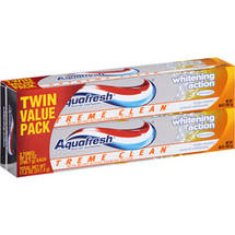 Aquafresh Extreme Clean Whitening Action Twin Pack Toothpaste
