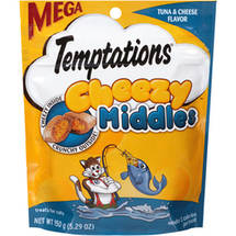 Temptations Cheezy Middles Tuna and Cheese Flavor Treats for Cats Pouch