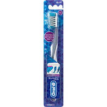 Oral-B 3D White Radiant Whitening Medium Toothbrush