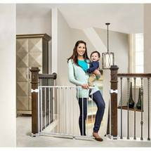 Top of Stairs Expandable Gate with Mounting Hardware
