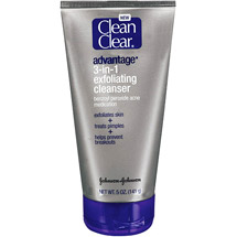 CLEAN & CLEAR(R) Cleansers advantage(R) 3-in-1 Exfoliating Cleanser