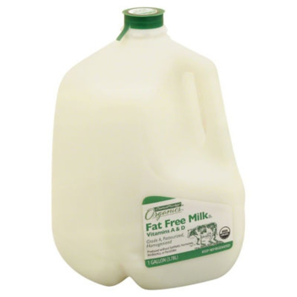 Central Market Organic Fat Free Milk With Vitamins A & D