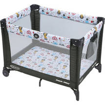 Graco Pack 'n Play Playard On the Go with Folding Feet Circus Time