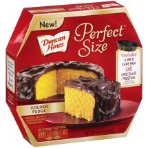 Duncan Hines Perfect Size Golden Cake Mix & Chocolate Fudge Frosting Mix, 9.4 oz