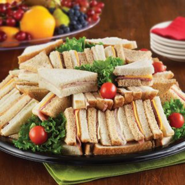 H-E-B Large Deluxe Party Finger Sandwich Tray