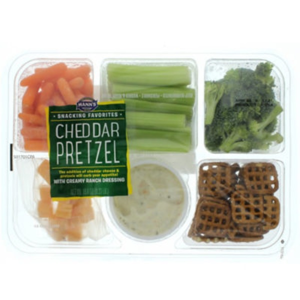 Mann's Snacking Favorites Cheddar Pretzel Tray