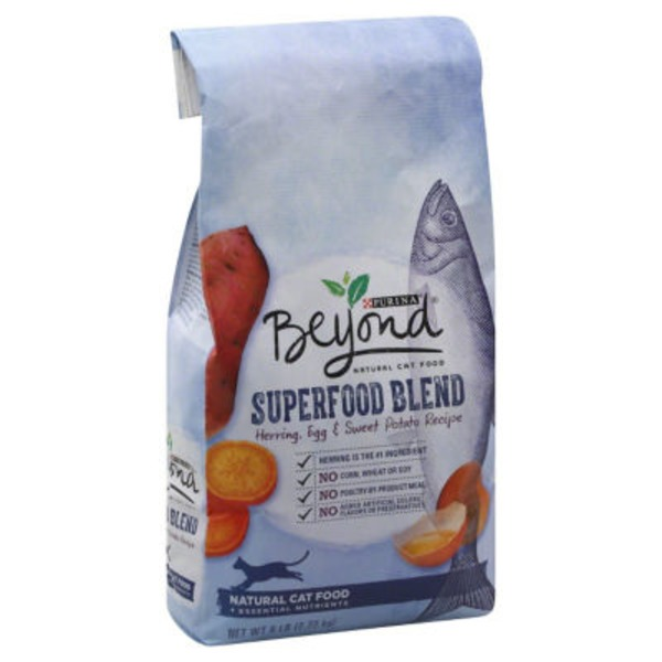 Beyond Cat Dry Superfood Blend Herring Egg & Sweet Potato Recipe Cat Food