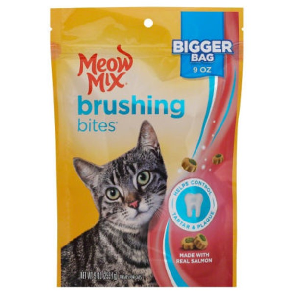 Meow Mix Salmon Brushing Bites Cat Treats