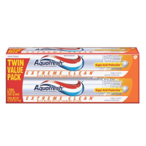 Aquafresh Extreme Clean Whitening Action Mint Blast Fluoride Toothpaste