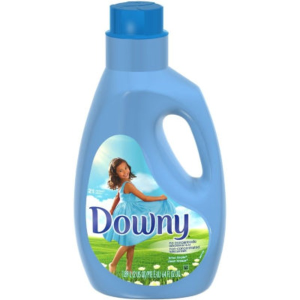 Downy Clean Breeze Scent Non-Concentrated Fabric Softener