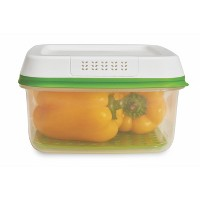 Rubbermaid 11.1 Cup FreshWorks Produce Saver Food Storage Containers Green
