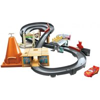 Disney/Pixar Cars Race Around Radiator Springs Playset