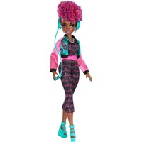 Wild Hearts Crew Cori Cruize Doll with Style Accessories